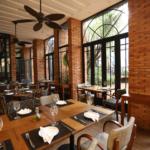 Na imagem, o Baco Restaurante durante o almoço.