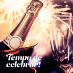 Na imagem, fogos explodem ao fundo de uma garrafa de champagne. Está escrito Tempo de celebrar!, em referência ao fim de ano no Baco.