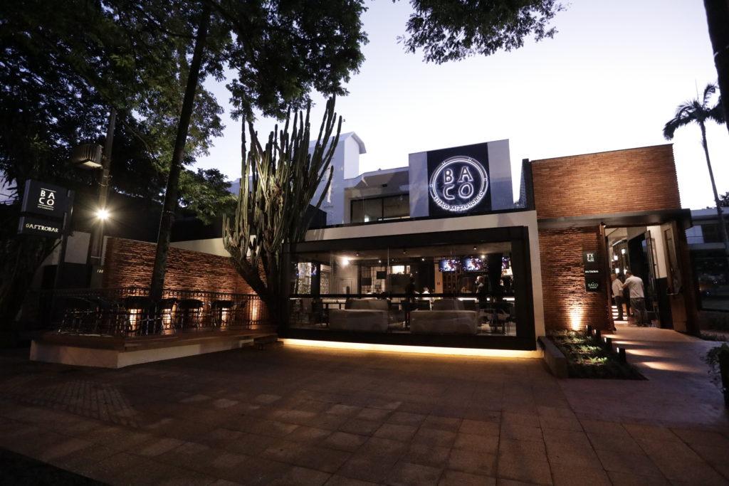 Na imagem, a fachada do Baco Espaço Gastronômico.